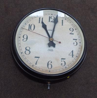 Bakelite old school clock