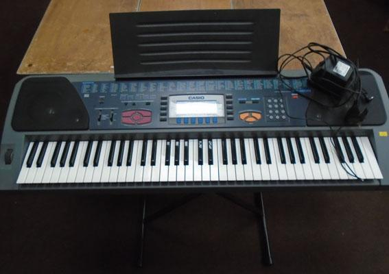 Casio keyboard full size keys with stand & amp