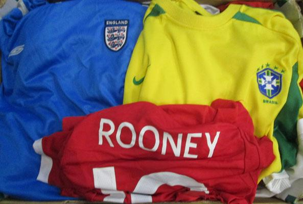 Job lot of quality football shirts- mostly England shirts
