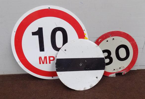 3x Road signs