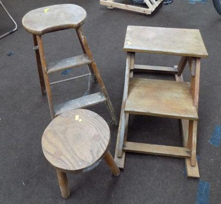 A stool come steps x2 + small stool