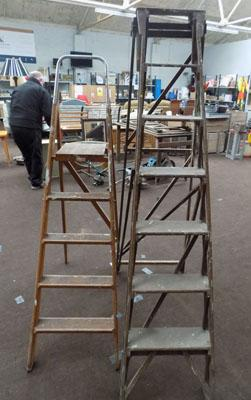 2 Wooden step ladders