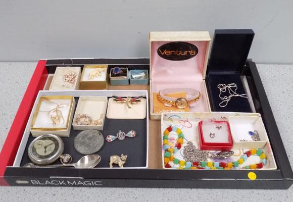 Tray of mixed jewellery and 2 old watches and a medallion