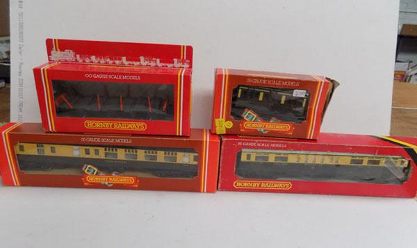4 Hornby OO scale models (boxed)