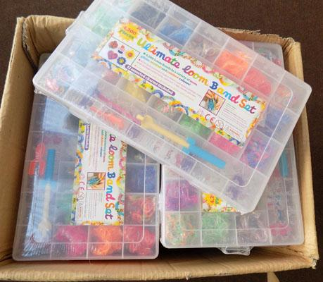 Box of 20 Ultimate Loom Band sets
