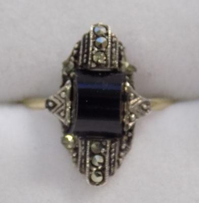 8ct gold art deco ring, black onyx & marcasite