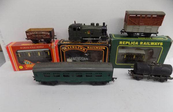 Assorted model railway carriages