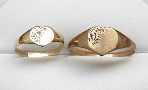 2x 9ct Gold signet rings