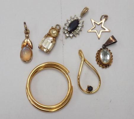 Selection of jewellery inc 9ct gold Moonstone pendant