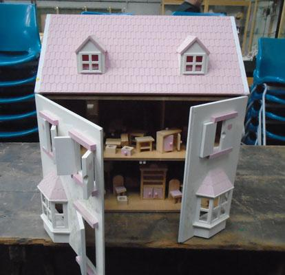 Double fronted dolls house, opening roof, some furniture