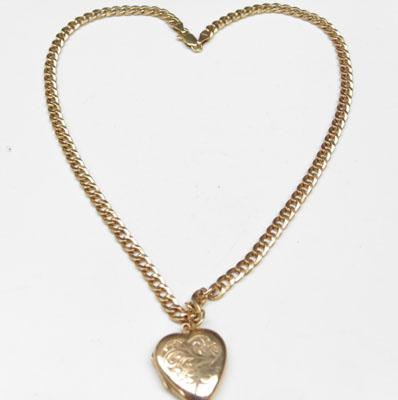 9ct Gold chain & 9ct gold heart pendant
