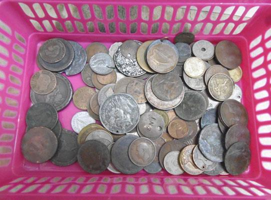 Collection of coins and tokens (various ages, far back as George III)