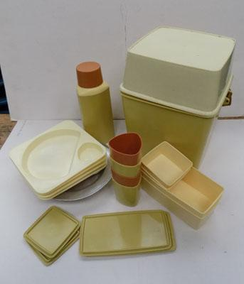 Vintage Lucy ware camping set