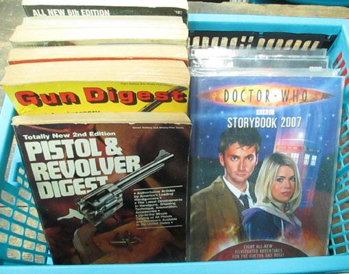 Box of assorted gun books & Dr Who
