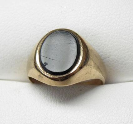 Old 9ct gold & black Onyx signet ring size 11