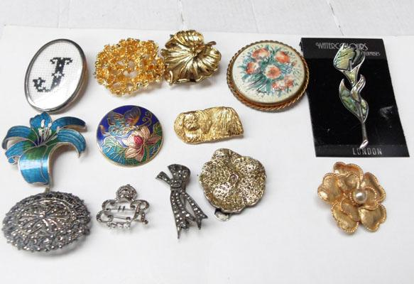 Collection of vintage brooches inc silver & Marcasite