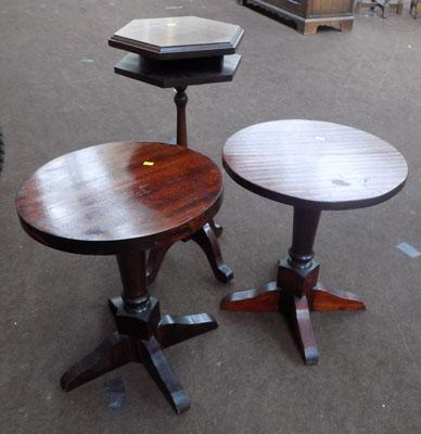 3x Small occasional tables