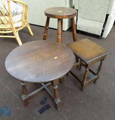 Stool & 2x occasional tables