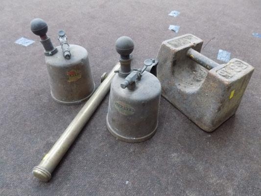 Pair of vintage sprayers, large weight etc