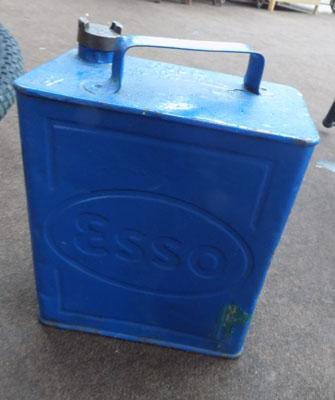 Vintage Esso oil can with cap