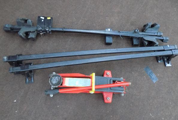 Car trolley jack with bar-new & 2 sets of adjustable roof racks