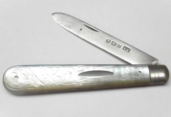 Mother of Pearl fruit knife with silver blade, Sheffield hallmark