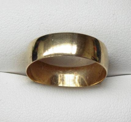 9ct Gold plain ring 6mm wide size Q