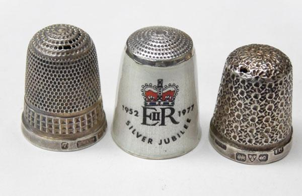 3x Solid silver Thimbles-2 Chester hallmarks, 1 Silver enamel 1922 Jubilee