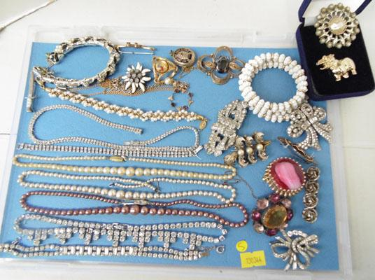 Tray of vintage costume jewellery