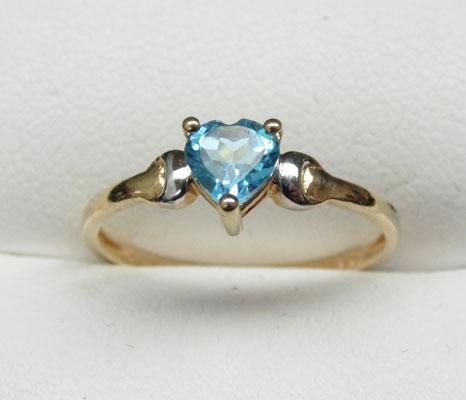9ct Gold Blue Topaz heart ring