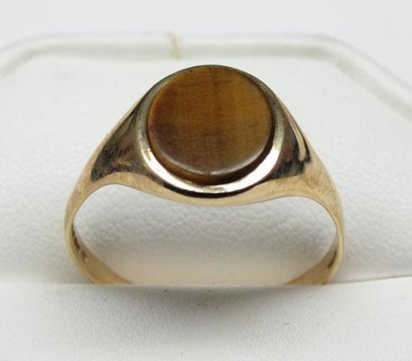 9ct Gold Tigers eye signet ring size Y