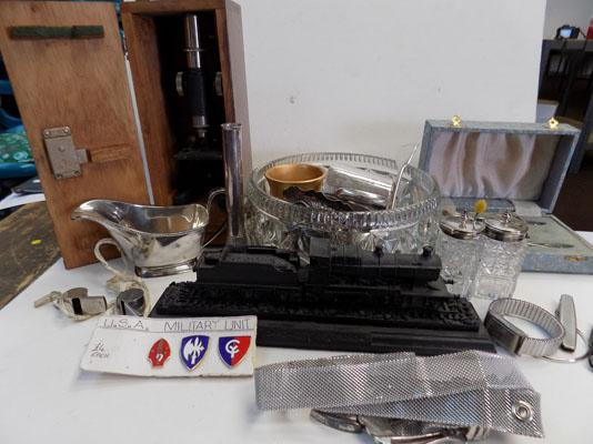 Tray of collectables & plated ware