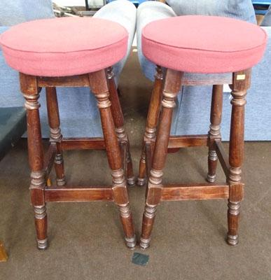 2x Breakfast bar stools
