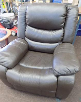 Leather massage recliner (w/o)