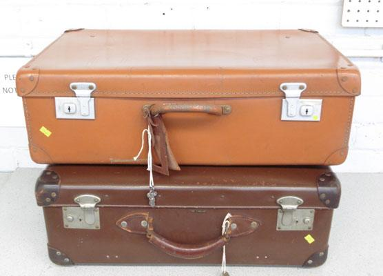 2x Vintage suitcases (1 brown & 1 tan)
