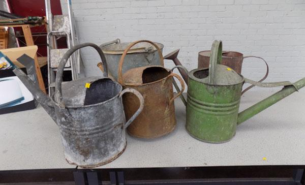 4x Vintage watering cans & a bucket