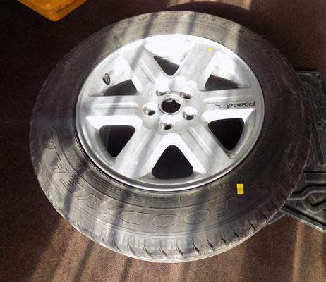 Land Rover wheel/new tyre & mats