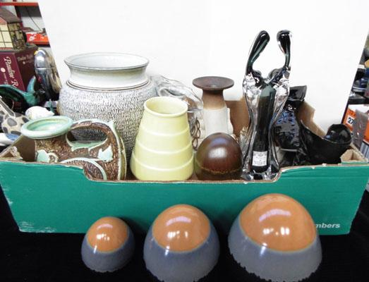 Box of assorted pottery & glassware