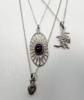 3x Silver necklaces