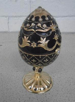 Collectable musical egg