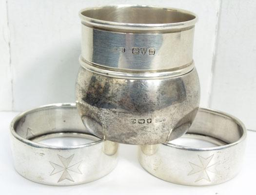 4x Solid silver napkin rings, Birmingham, Chester hallmarks etc