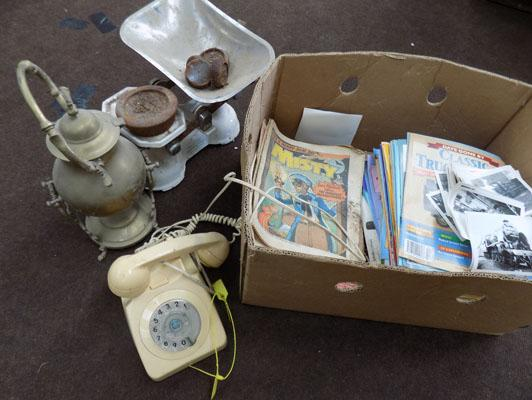 Box of vintage collectables