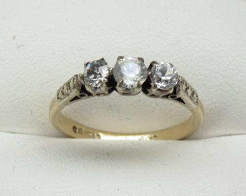 9ct Gold Trilogy ring size N