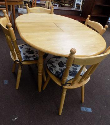 Solid pine extendable table with 4 chairs