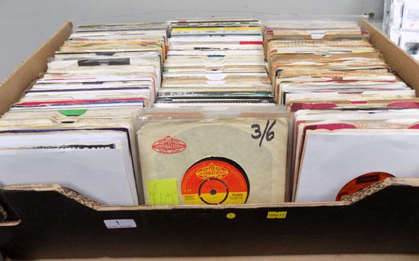 Box of collectable singles Beatles, Motown & demo's