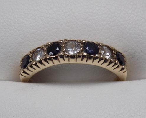 9ct Gold Sapphire & cz stone ring