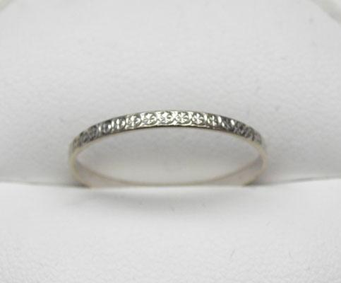 9ct White gold ring size R1/2