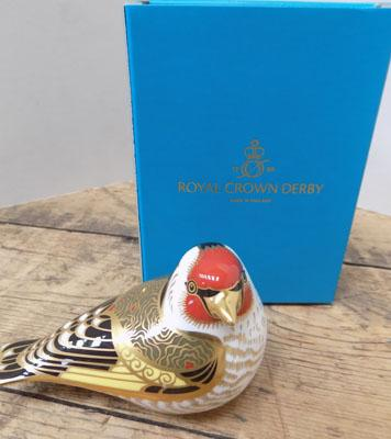 Royal Crown Derby Goldfinch-gold stopper