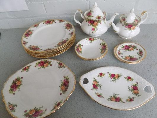 Country Roses 2 T pots/plates & dishes
