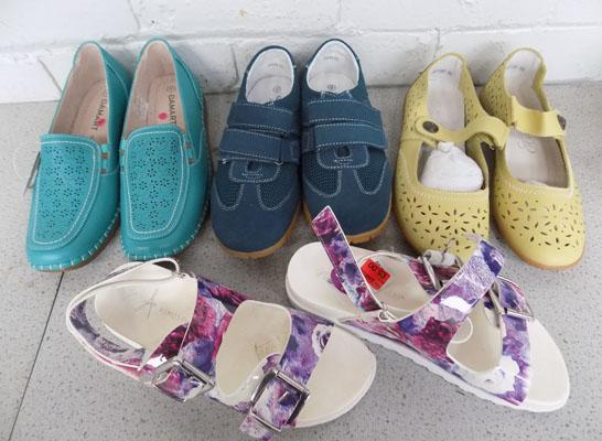 4x Pairs of Summer shoes size 5